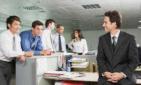 6 Tips to Be a Popular Guy at Work