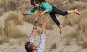 9 Little Things Every Father Must Give His Child